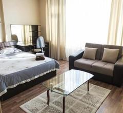 Apartment on Kunayeva 38 1