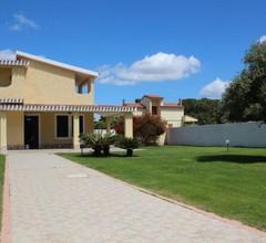 Flumini Villa Sleeps 8 Pool Air Con WiFi 2