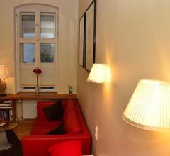 Zentral gelegen - stilvolles Appartment in Moabit 1