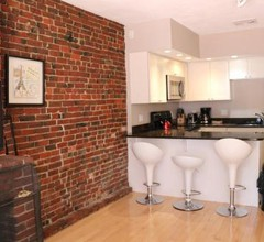 Cheap, Furnished Two-Bedroom Apartment Downtown Boston Garden Unit 2