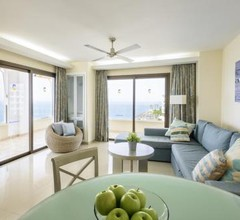 Pearly Grey Ocean Club Apartments & Suites 1