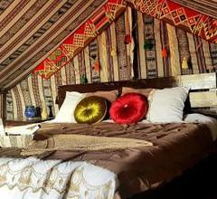 Queen Desert camp 2