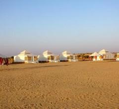Sunny Desert Camp 1