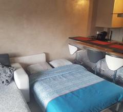 studio meublé avec balcon 1