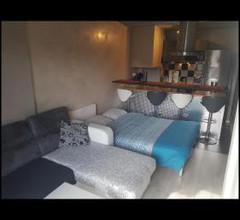 studio meublé avec balcon 2