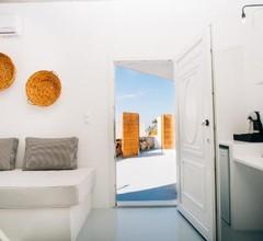 Mesanto Luxury Suites 1