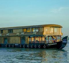 Symphony Cruise Houseboat 1