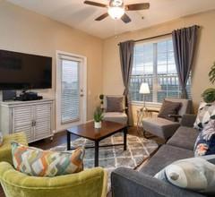 Deluxe 3 Bedroom Apartment 404 1