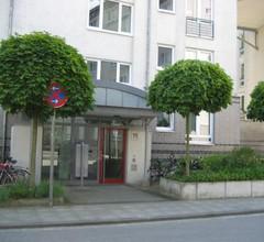 Hochwertiges Apartment im Grünen, zentral gelegen, ruhig, Balkon 2