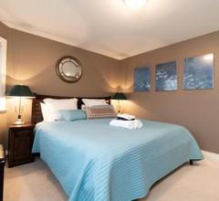 Cedar Manor Bed and Breakfast 2