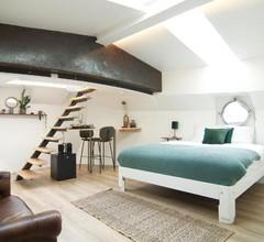 Eco HouseBoat 1
