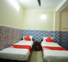 OYO 30386 Hotel Gloria Inn 2