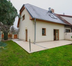 Family house with free parking in quiet area 1