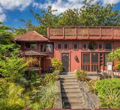 The Bali House & Bali Cottage at Kehena Beach 2