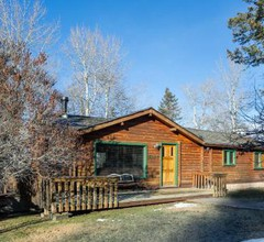 Creekside Cabin 1