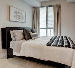 InstantSuites ⭐️ Chic 1 Bedroom in the Entertainment District ⭐️ 2