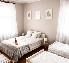 Bankowa 8 Guest Rooms 1