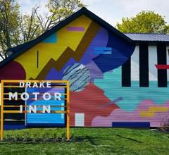 Drake Motor Inn 2