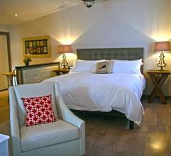 East & Main Suites 2