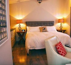 East & Main Suites 1