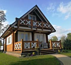 Drewniany domek nad Miedwiem 1