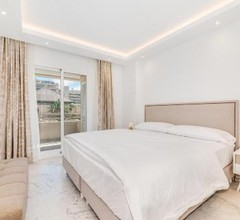 Bright apartment in the heart of Puerto Banus 1