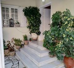 Nikoli Luxury Full House with Garden 1