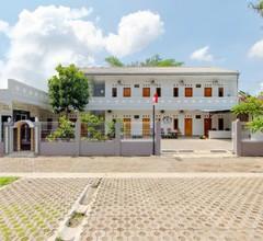 OYO 2217 Permana Guesthouse Syariah 2