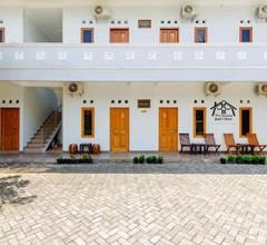 OYO 2217 Permana Guesthouse Syariah 1