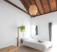 Casa Calma Yoga Guesthouse 2