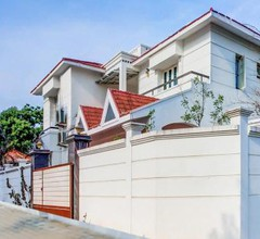 Elegant 1BR Home near Akkarai Beach (5 km) 1
