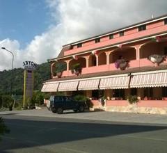 HOTEL LO SVINCOLO 1