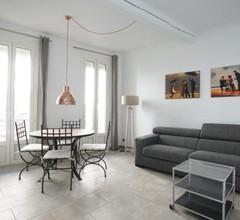 Suite Oisivité classée 3 étoiles avec Terrasse, Climatisation et Garage 2