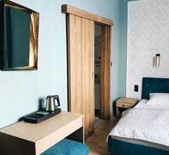 Elegant Hostel & Apartments 1