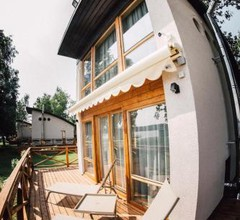 Lake House Resto 1
