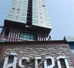 ASTRO ApartmentCondo on main street Chaengwattana Road near Department Store 2