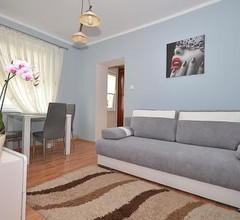 Pokoje i Apartamenty IZA 1