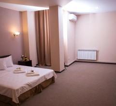 Richmind Hotel 2