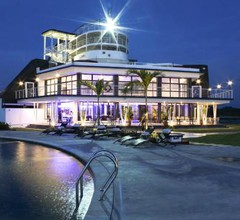 Doulos Phos The Ship Hotel 2