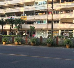 Rayong Beach Condotel Apartment first line to the sea 1