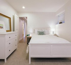 Immaculate suite with access to hiking and nature 1