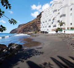 Outstanding beach apartment in paradise 2