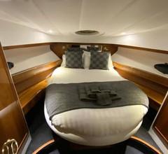 Luxus Yacht Lady Jane City Überseestadt 1