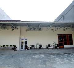 OYO 1335 Anie 71 Residence 1
