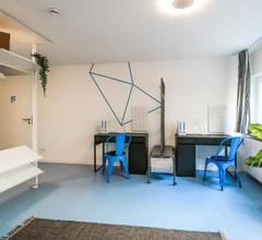 Designer Hostel (1B) 1