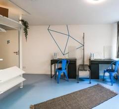 Designer Hostel (1D) 2