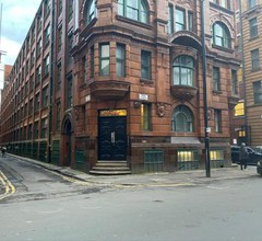 Stylish Loft Apartment with Parking - Two Bedroom - Manchester City Centre & Northern Quarter 2