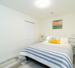Beautiful 2-BR Suite in Central West Vancouver 2