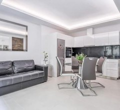 Charming Renovated 1BR Apartment In Heart Of Monaco 2
