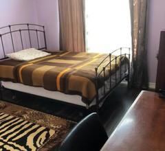 Cozy Bedroom in North Toronto 1